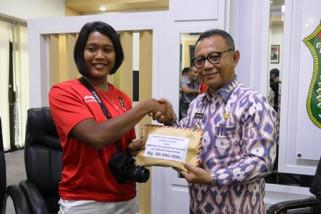 Bupati Mamuju beri hadiah atlet Asian Games