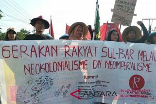 Demo FPPI Mamuju berakhir bentrok