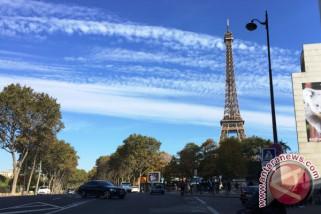 Paris dan Brussels gelar