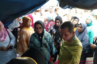 Pengungsi Sulteng dirujuk ke RS untuk melahirkan