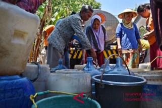 Warga Makassar krisis air bersih PDAM