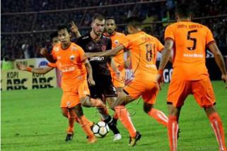 PSM Makassar melawan Persija bermain imbang 2-2