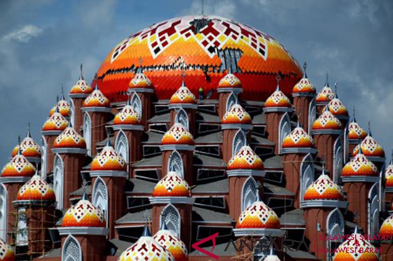 Masjid 99 kubah di Makassar