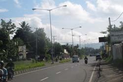 Minahasa Tenggara Pasang Ratusan Penerangan Jalan
