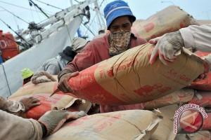Pemkab Minahasa Tenggara diminta cegah penimbunan semen