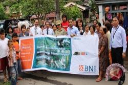 BNI salurkan Program Peduli Banjir Manado Rp120 Juta
