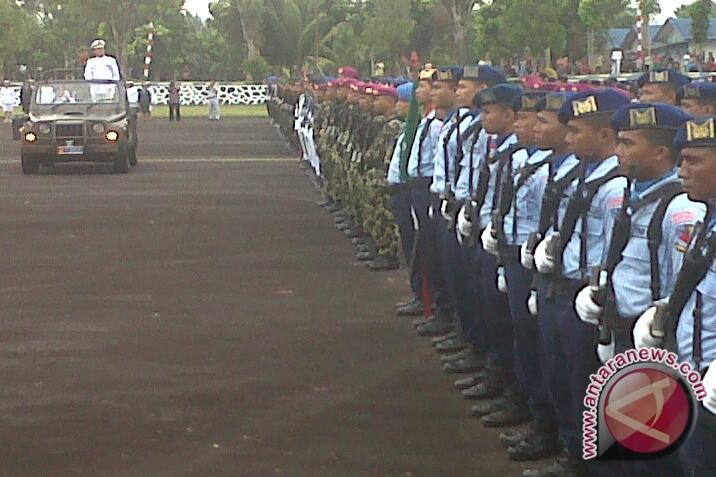 Berbagai atraksi warnai HUT TNI di Manado