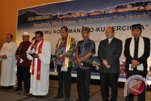 Umat Kristen Manado doakan peserta UN SMP