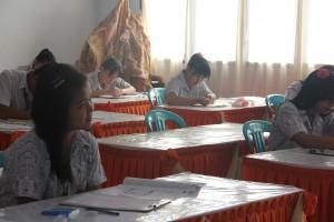 Ratusan warga Manado ujian paket C