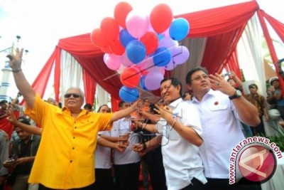 KPU Manado dan pasangan calon deklarasi kampanye Damai