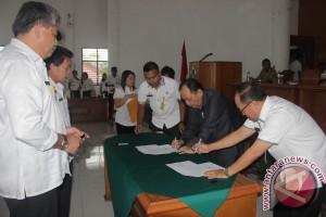 Pejabat Pemkot Tomohon Tanda Tangan Pakta Integritas