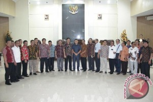 DPRDTulungagung  belajar APBD di Manado