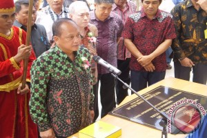 Menristek Dikti resmikan auditorium Politeknik Nusa Utara