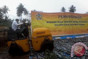 Bea Cukai musnahkan barang Ilegal di Manado