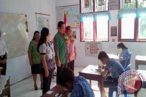 Wawali Manado buka naskah UN di SMP IX