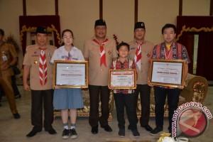 Pemprov Beri Penghargaan Siswa Peraih Medali OSN Palembang