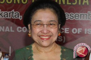 Megawati dapat gelar DR HC dari Unpad Bandung