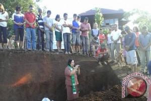 Pembangunan proyek dana desa diawali dengan ibadah syukur