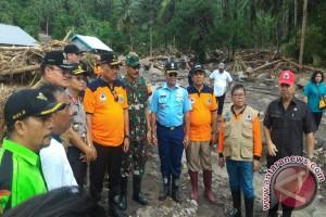 Gubernur Sulut tinjau bencana Sangihe