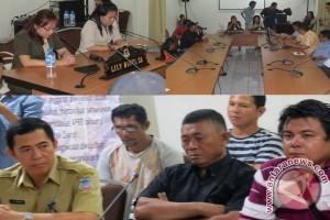 DPRD  Manado tegur Disbertam karena sopir sampah
