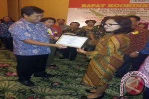 Terbaik promosi dan konseling kesehatan reproduksi, Rusaudano raih penghargaan