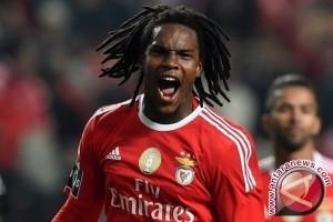 Piala Eropa - Renato Sanches pemain muda terbaik