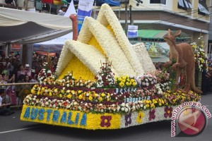 "Polisi Rekayasa Lalu Lintas Sukseskan ""Festival Bunga"""