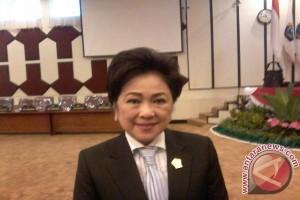 Sjenny Kalangi dilantik anggota DPRD Sulut