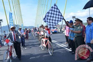 Pemkot Manado Gelar Pawai Pembangunan HUT Kemerdekaan