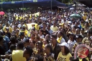 Ribuan massa dampingi pendaftaran pasangan Gaghana-Hontong