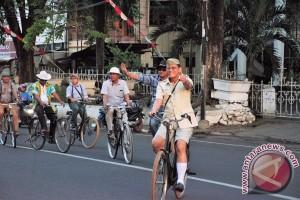 Sepeda Onthel Sulut Marakkan HUT Bitung