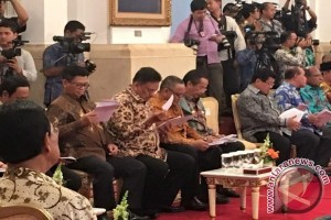 Presiden Jokowi Ingatkan Gubernur Berantas Pungutan Liar