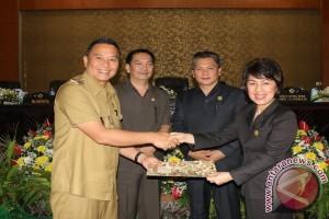 Fraksi DPRD Tomohon Setujui Ranperda Festival Bunga Internasional