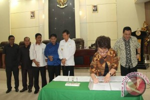 DPRD Manado Gelar Paripurna Penyampaian Dua Raperda