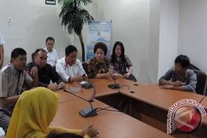 Puluhan PKL Adukan Dirut PD Pasar ke DPRD