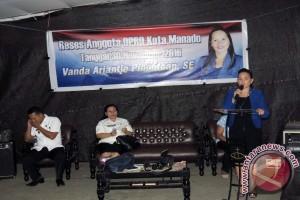Anggota DPRD Vanda Pinontoan Reses di Maasing