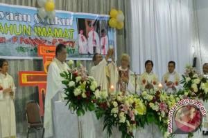 Syukur Imamat 30 Tahun 3 Pastor Pr di Keuskupan Manado