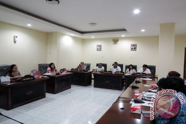 Komisi C DPRD  Manado Dengar Pendapat Soal Pemotongan Bukit