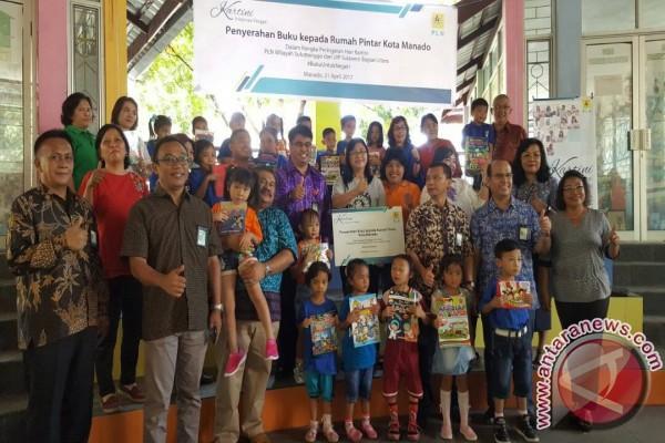 PLN Bagikan Buku Untuk Rumah Pintar Manado Peringati Hari Kartini