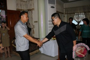 Wali Kota Melayat Suami Mantan Anggota DPRD Tomohon