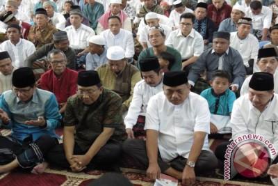 Lebaran 2017 - Gubernur dan Wawali Manado Hadiri Shalat Id Di Masjid Raya