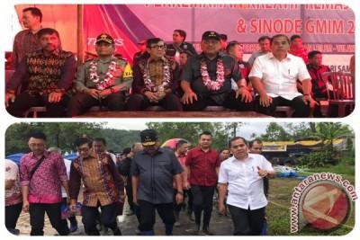 Bupati JWS Dampingi Menkumham Buka Perkemahan Remaja di Desa Leilem