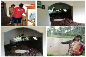 Puluhan Rumah Di Minahasa Tenggara Terkena Longsor
