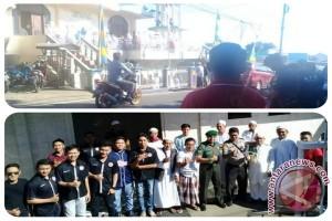 Lebaran 2017 - Warga Kristen Jaga Keamanan Shalat Id di Masjid Imam Bonjol Pineleng