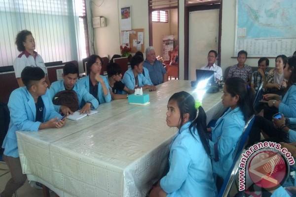 Mahasiswa ITM Tomohon Belajar Jurnalistik  di ANTARA