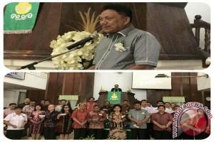 Bupati JWS Dampingi Gubernur Olly di Ibadah HUT GMIM Efata Tompaso