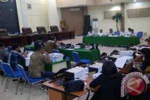 Panitia Khusus DPRD-Pemkot Manado Bahas LKPJ 2016