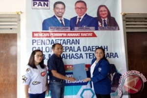 Remly Kandoli Mendaftar Bakal Cabup di PAN dan PD