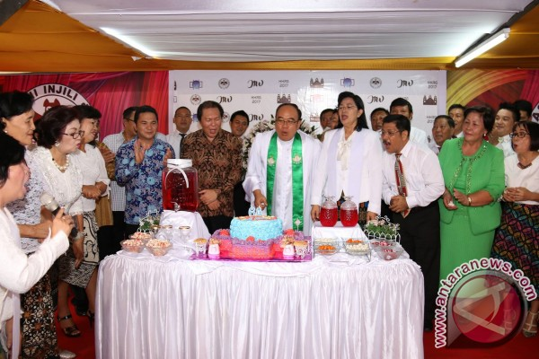 Meriah Syukuran HUT ke 64 GMIM Imanuel Wanea