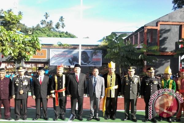 Pegawai Kemenkumham pakai pakaian adat upacara kemerdekaan